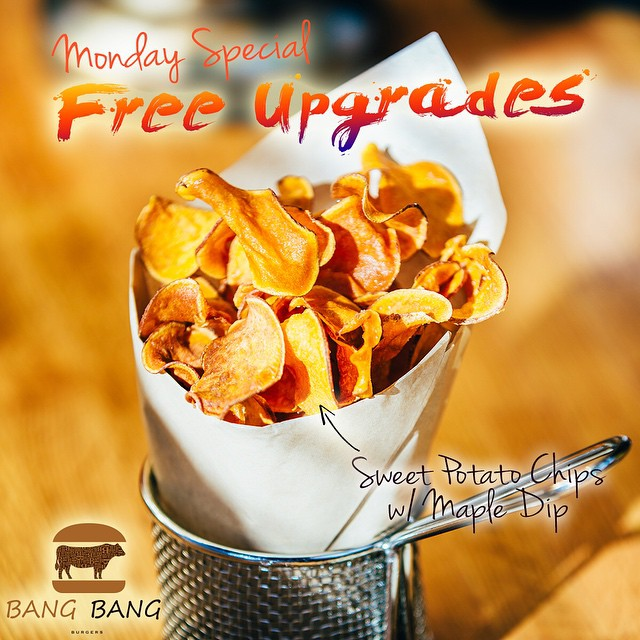 WHAT'S YOUR FAVORITE SIDE? EVERY MONDAY BANG BANG BURGERS GIVES YOU A FREE SIDE UPGRADE! YOU CAN HAVE AN UPGRADED SIDE  HAND MADE FRESH BBQ CHIP CRISPY ONION RINGS HAND CUT SWEET POTATO FRIES SALAD WITH ASPARAQUS, RED ONION & ARUGULA AND MORE!!! ‪#Charlotte‬ ‪#Best‬ ‪#Burger‬ ‪#Restaurant‬ ‪#BangBangBurgers‬ ‪#Family‬ ‪#Friends‬ ‪#Fun‬ ‪#Joy‬ ‪#Love‬ ‪#Monday‬ ‪#Special‬ ‪#FreeUpgrades‬